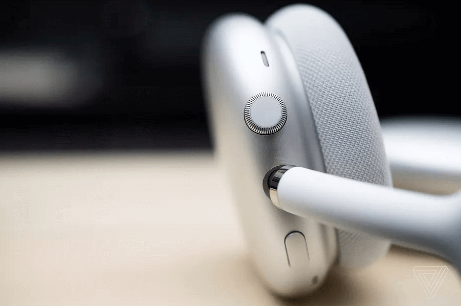 Right AirPods Max earcup